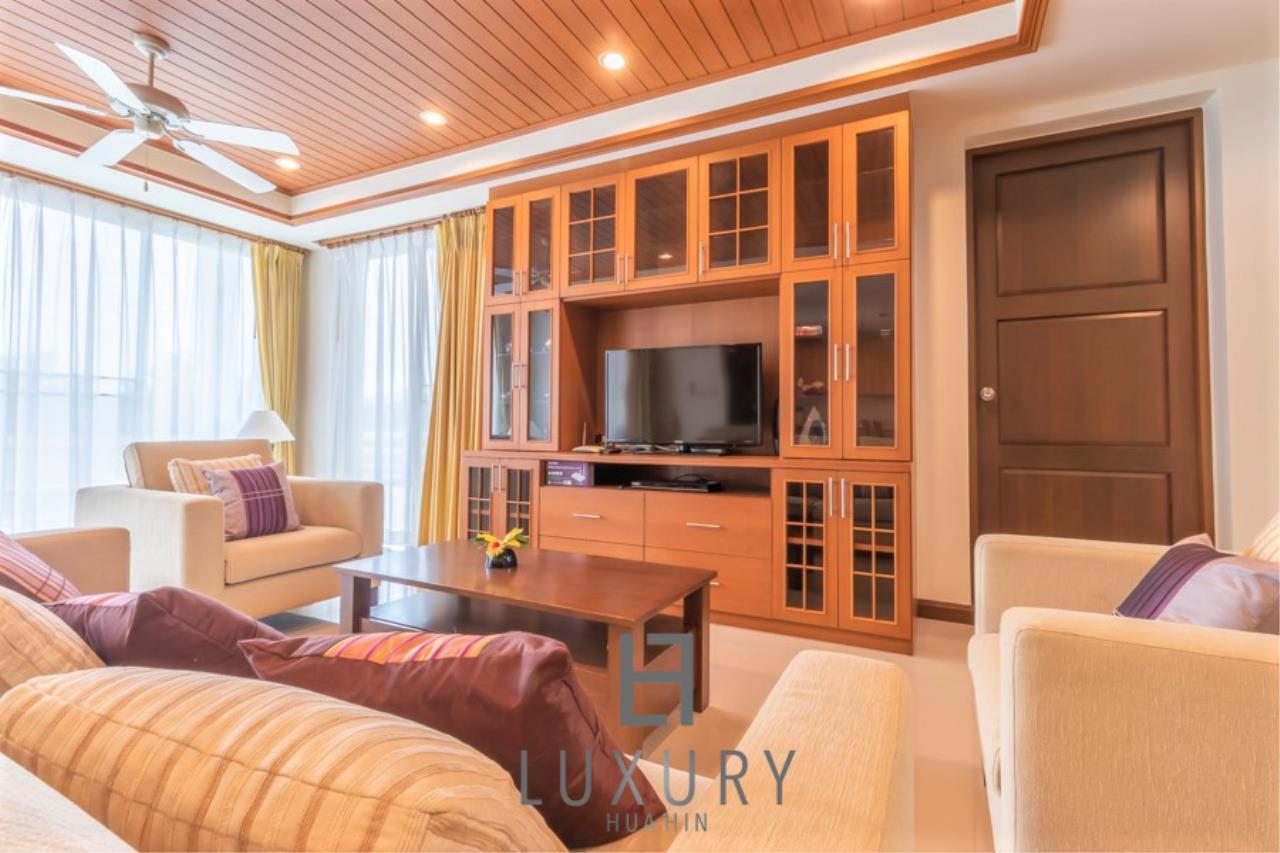 Luxury Hua Hin Property Agency's 3 Bedroom Pool Villa 6