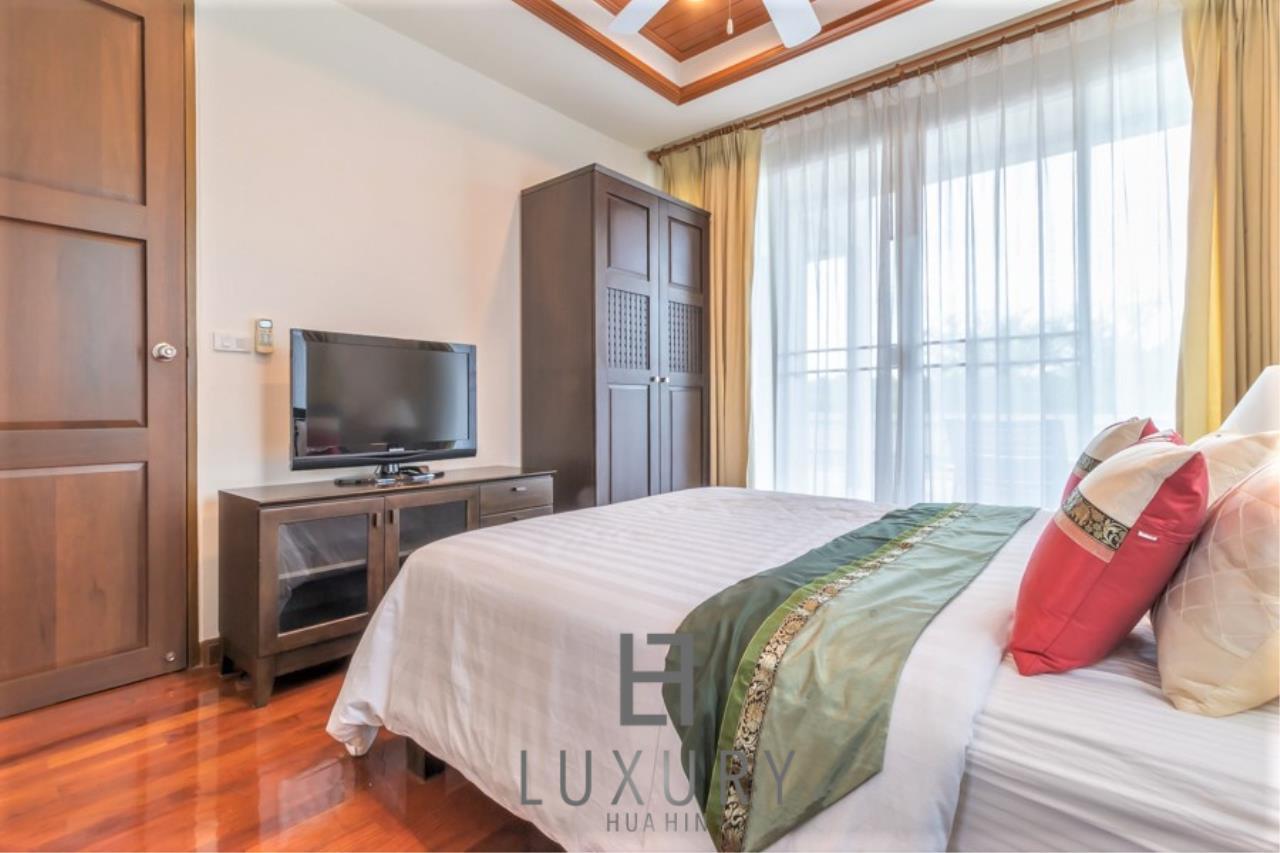 Luxury Hua Hin Property Agency's 3 Bedroom Pool Villa 9