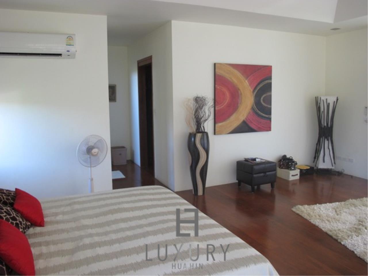 Luxury Hua Hin Property Agency's Luxury 3 Bedroom Pool Villa  26
