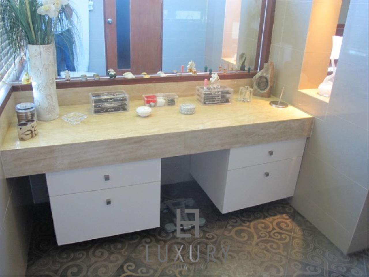 Luxury Hua Hin Property Agency's Luxury 3 Bedroom Pool Villa  30