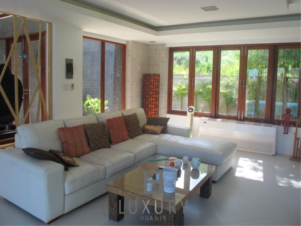 Luxury Hua Hin Property Agency's Luxury 3 Bedroom Pool Villa  14