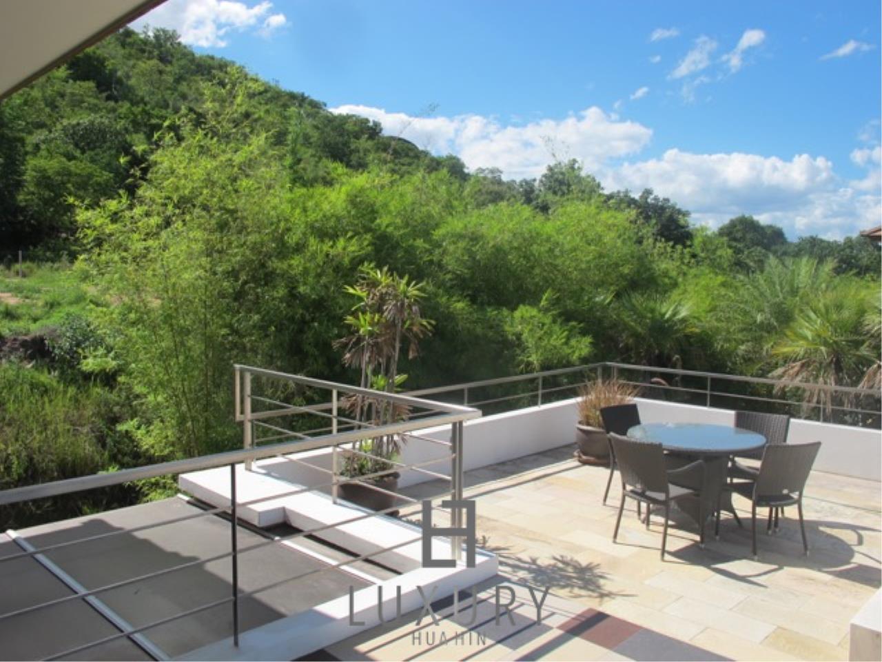 Luxury Hua Hin Property Agency's Luxury 3 Bedroom Pool Villa  9