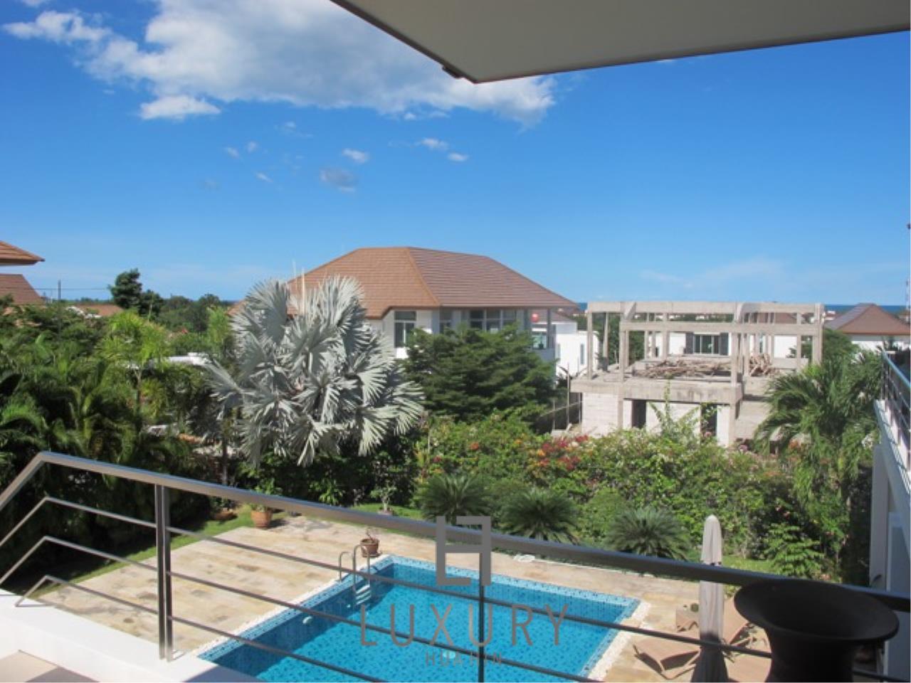 Luxury Hua Hin Property Agency's Luxury 3 Bedroom Pool Villa  6