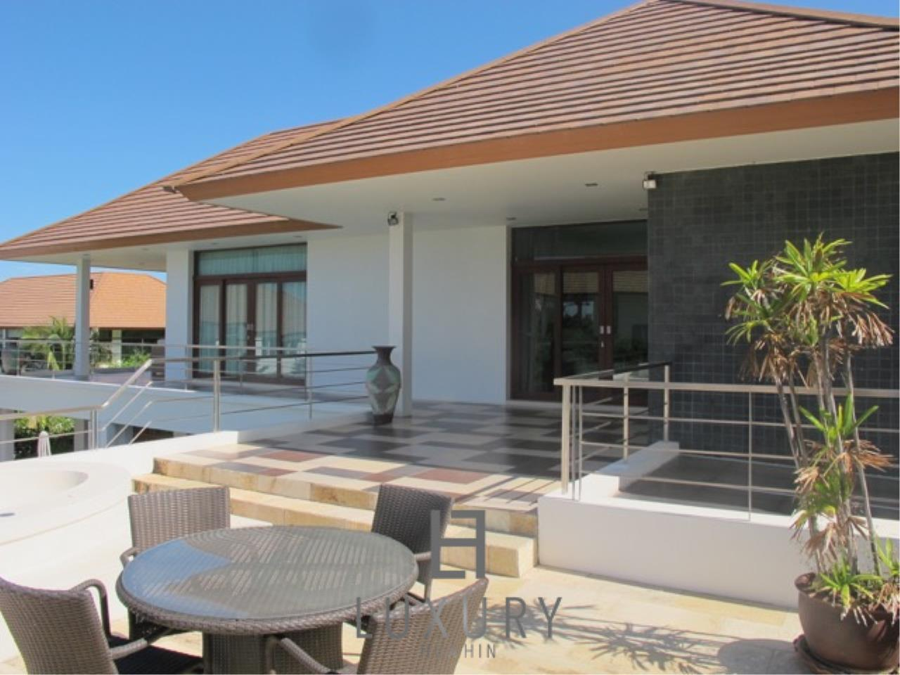 Luxury Hua Hin Property Agency's Luxury 3 Bedroom Pool Villa  7