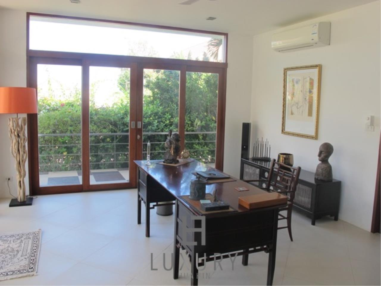 Luxury Hua Hin Property Agency's Luxury 3 Bedroom Pool Villa  19