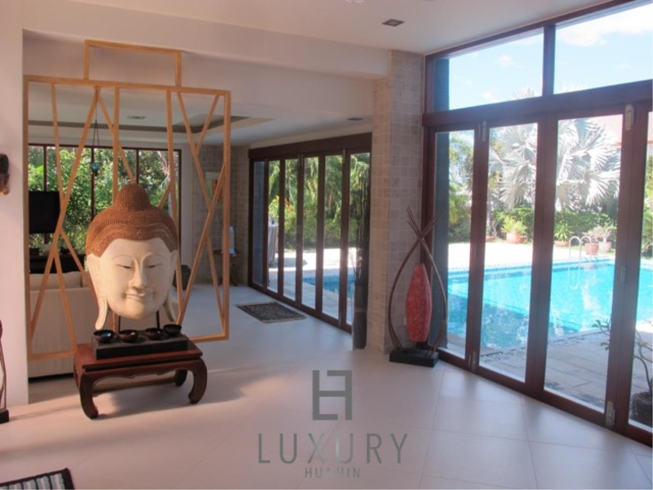 Luxury Hua Hin Property Agency's Luxury 3 Bedroom Pool Villa  22