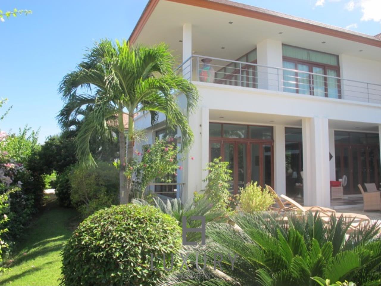Luxury Hua Hin Property Agency's Luxury 3 Bedroom Pool Villa  10