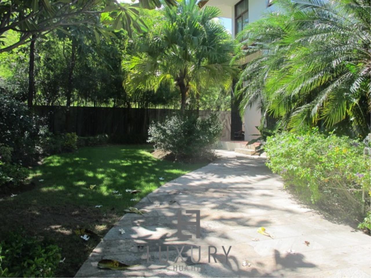 Luxury Hua Hin Property Agency's Luxury 3 Bedroom Pool Villa  11