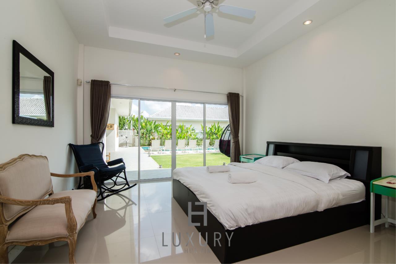 Luxury Hua Hin Property Agency's Private 4 Bedroom Pool Villa  23