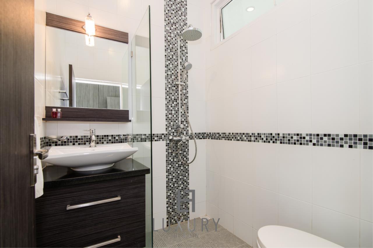 Luxury Hua Hin Property Agency's Private 4 Bedroom Pool Villa  25