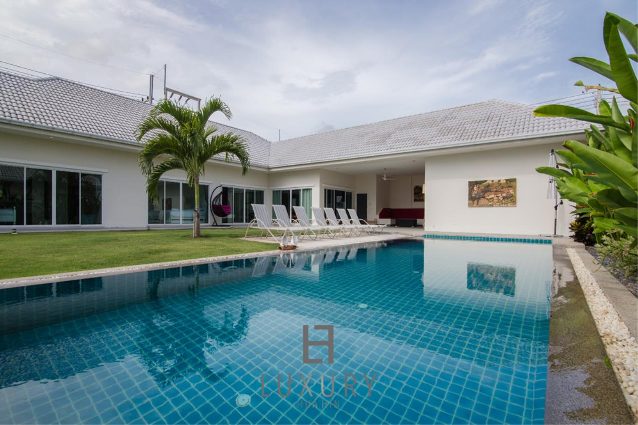 Luxury Hua Hin Property Agency's Private 4 Bedroom Pool Villa  1