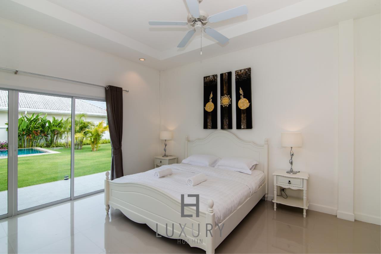 Luxury Hua Hin Property Agency's Private 4 Bedroom Pool Villa  29