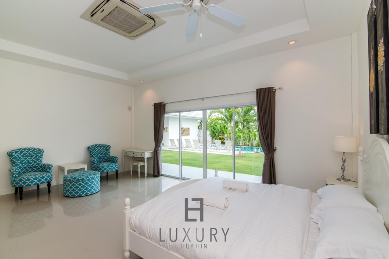 Luxury Hua Hin Property Agency's Private 4 Bedroom Pool Villa  18