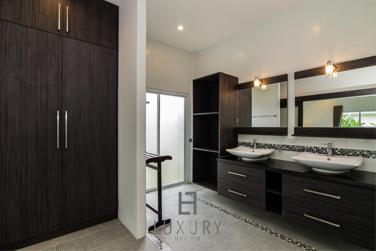 Luxury Hua Hin Property Agency's Private 4 Bedroom Pool Villa  21