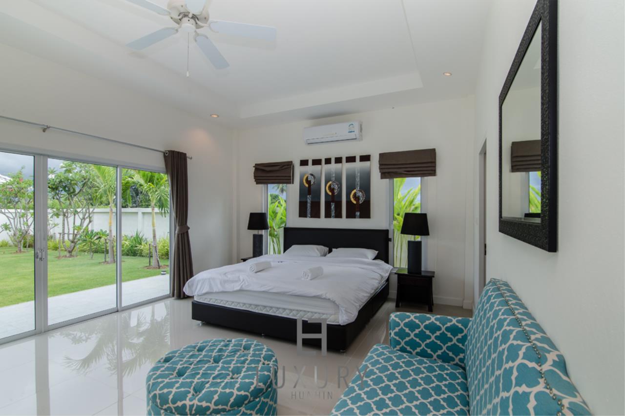 Luxury Hua Hin Property Agency's Private 4 Bedroom Pool Villa  17