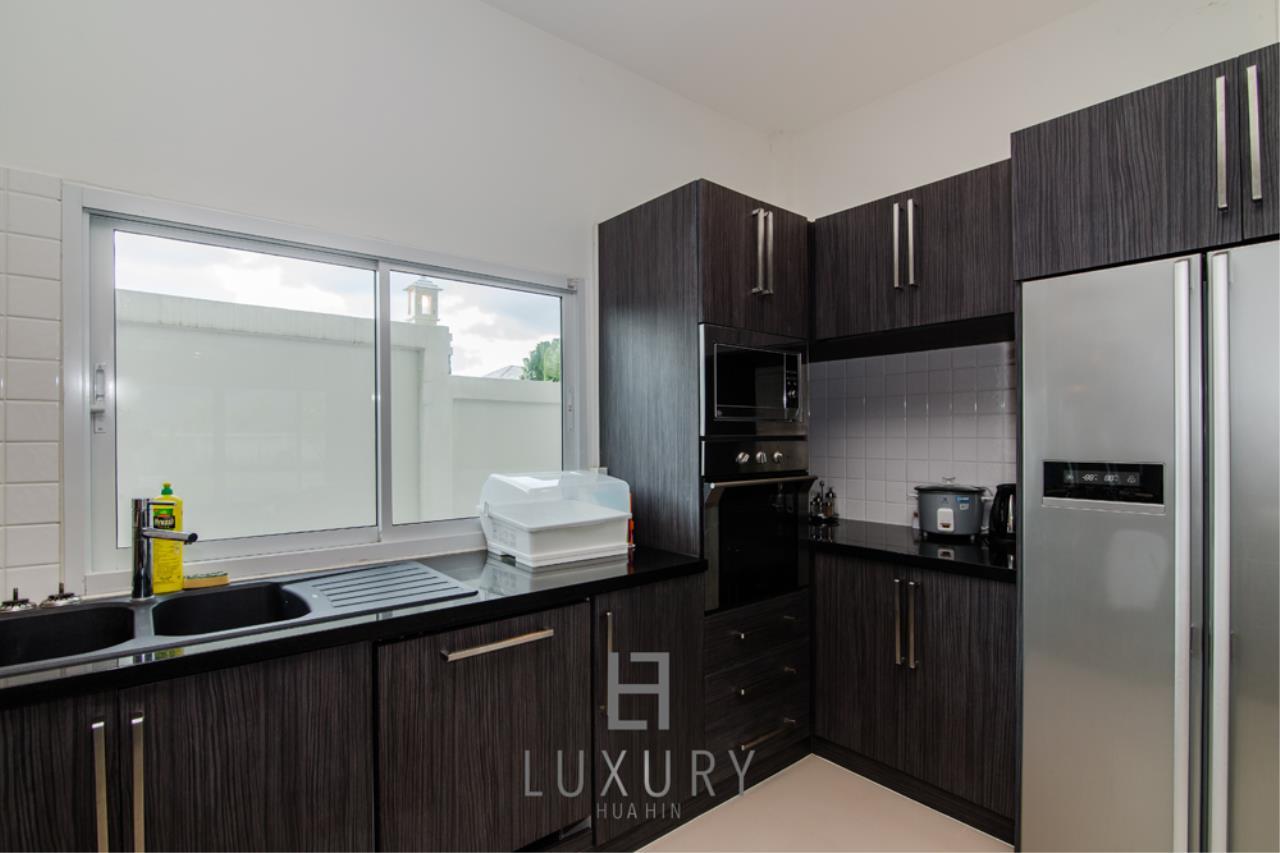 Luxury Hua Hin Property Agency's Private 4 Bedroom Pool Villa  8