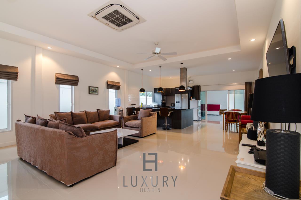 Luxury Hua Hin Property Agency's Private 4 Bedroom Pool Villa  14