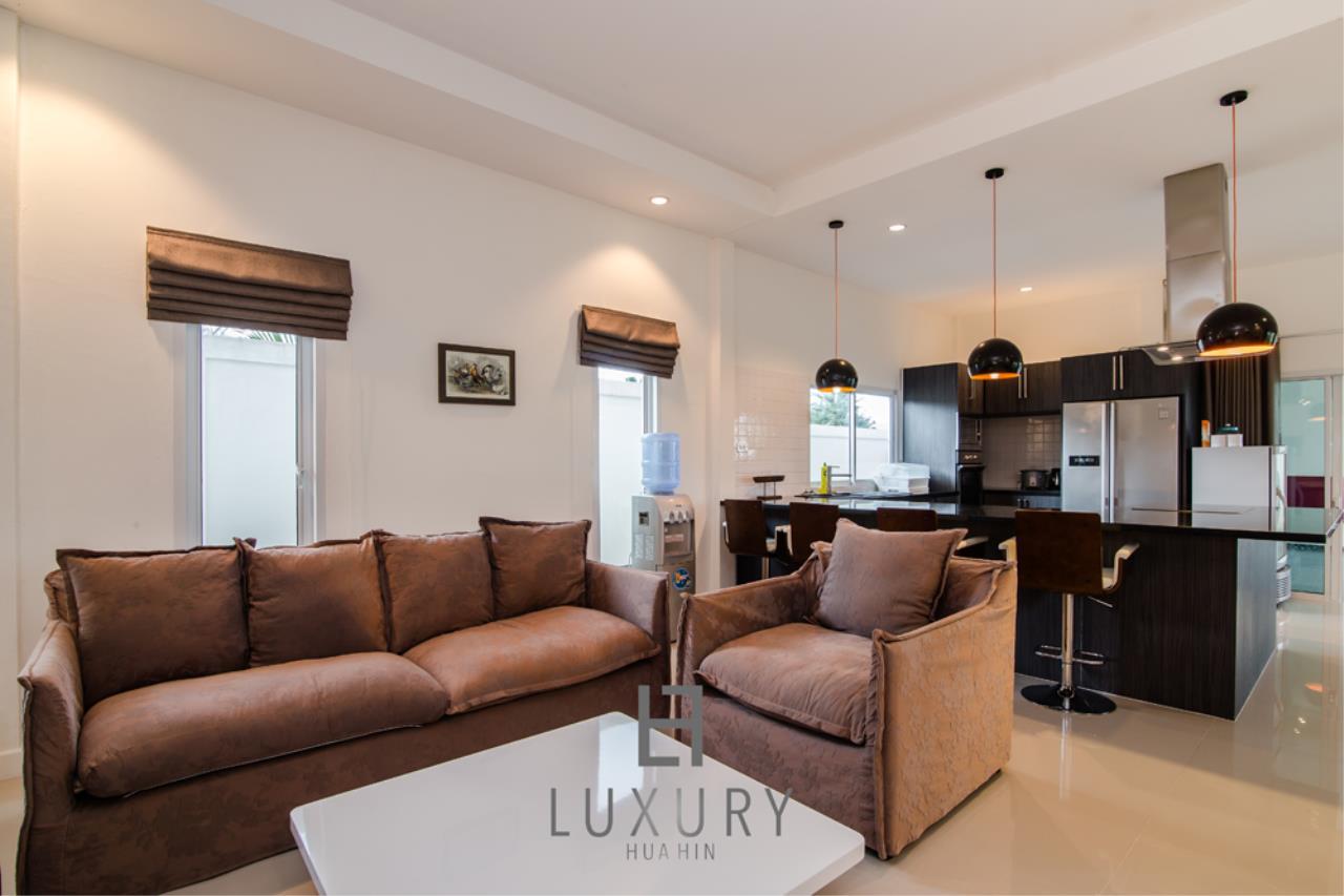 Luxury Hua Hin Property Agency's Private 4 Bedroom Pool Villa  12