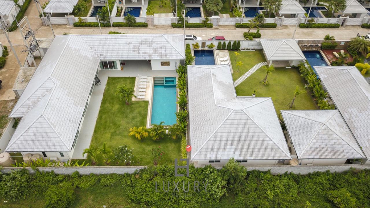Luxury Hua Hin Property Agency's Private 4 Bedroom Pool Villa  6