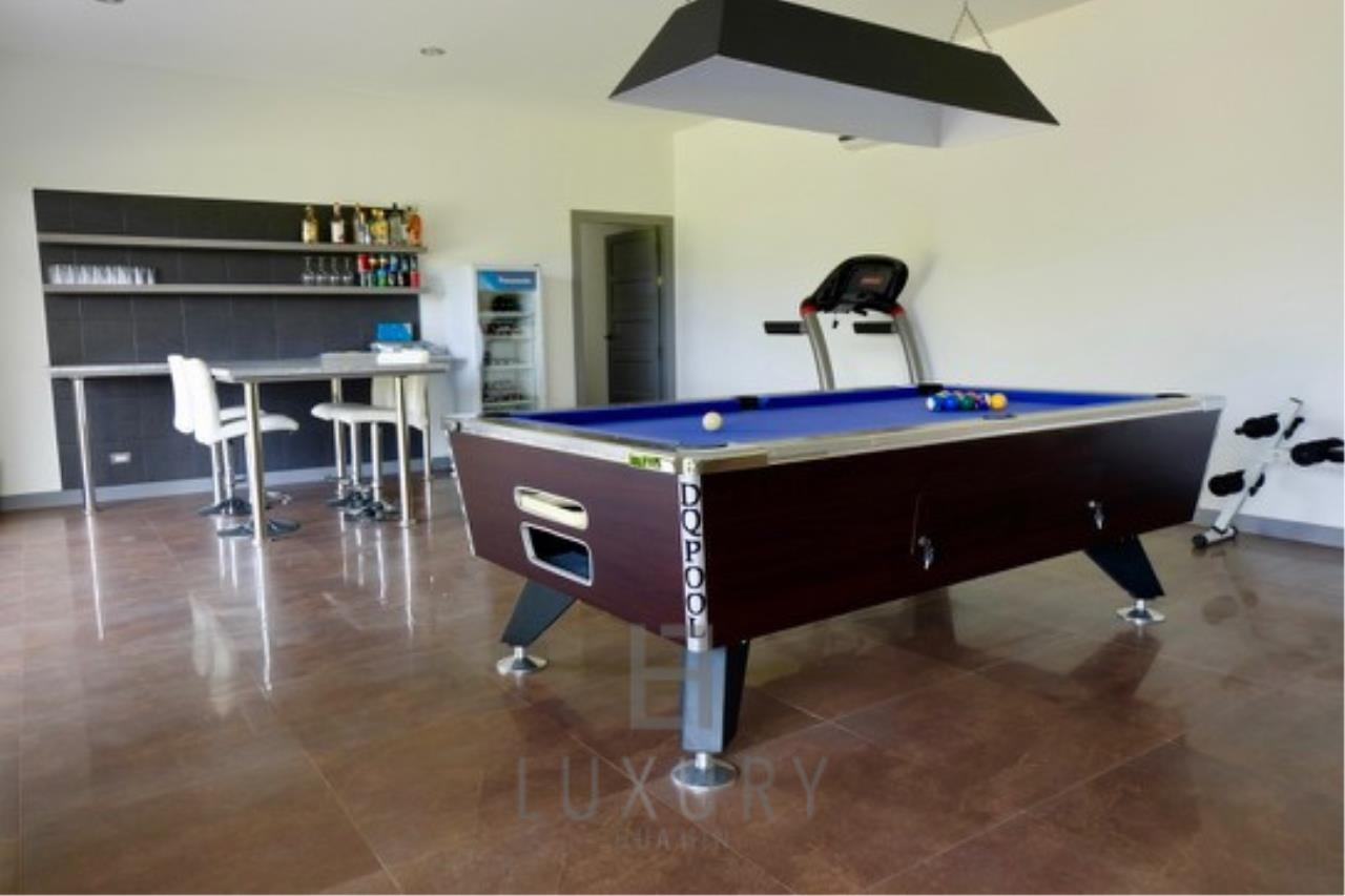 Luxury Hua Hin Property Agency's Stunning 6 Bedroom Pool Villa on 2 Rai of Land 28