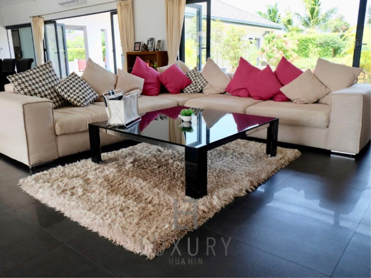 Luxury Hua Hin Property Agency's Stunning 6 Bedroom Pool Villa on 2 Rai of Land 19