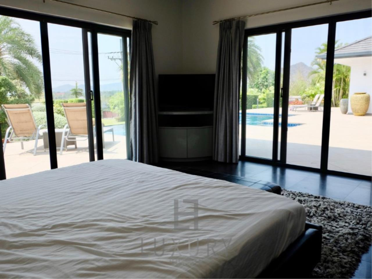 Luxury Hua Hin Property Agency's Stunning 6 Bedroom Pool Villa on 2 Rai of Land 21