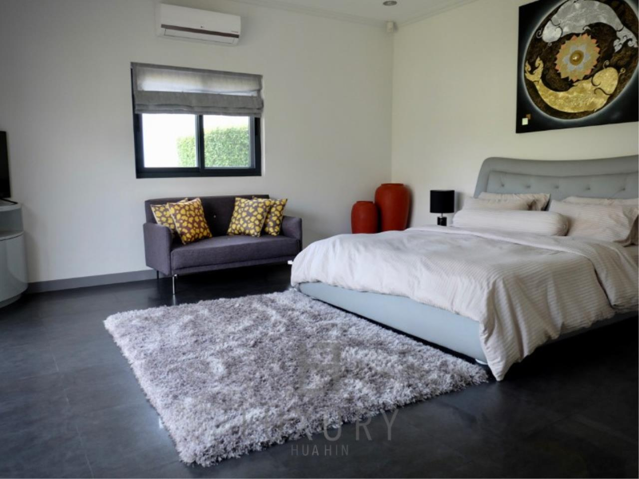 Luxury Hua Hin Property Agency's Stunning 6 Bedroom Pool Villa on 2 Rai of Land 24