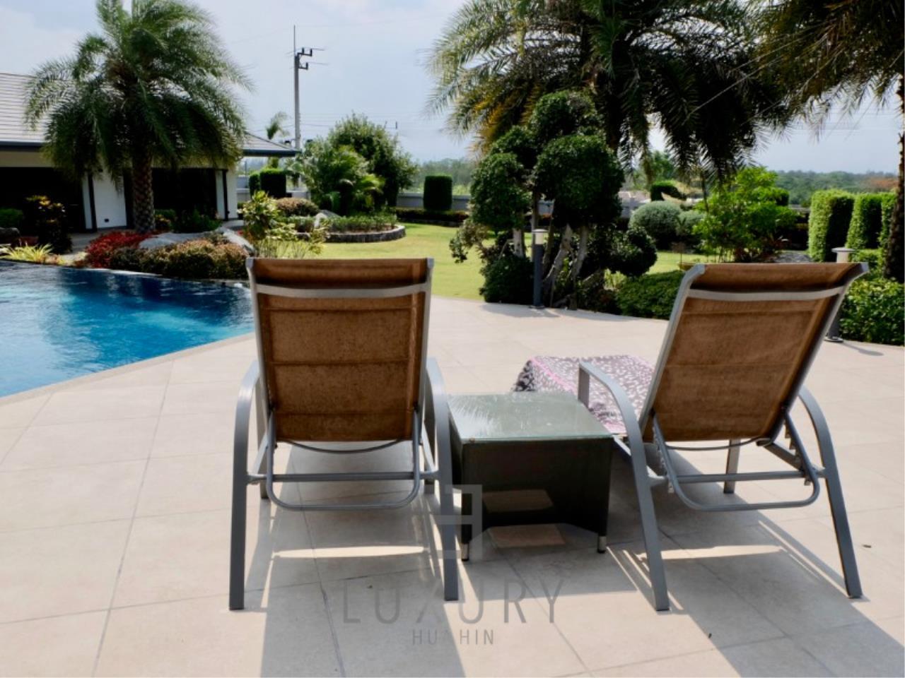 Luxury Hua Hin Property Agency's Stunning 6 Bedroom Pool Villa on 2 Rai of Land 9