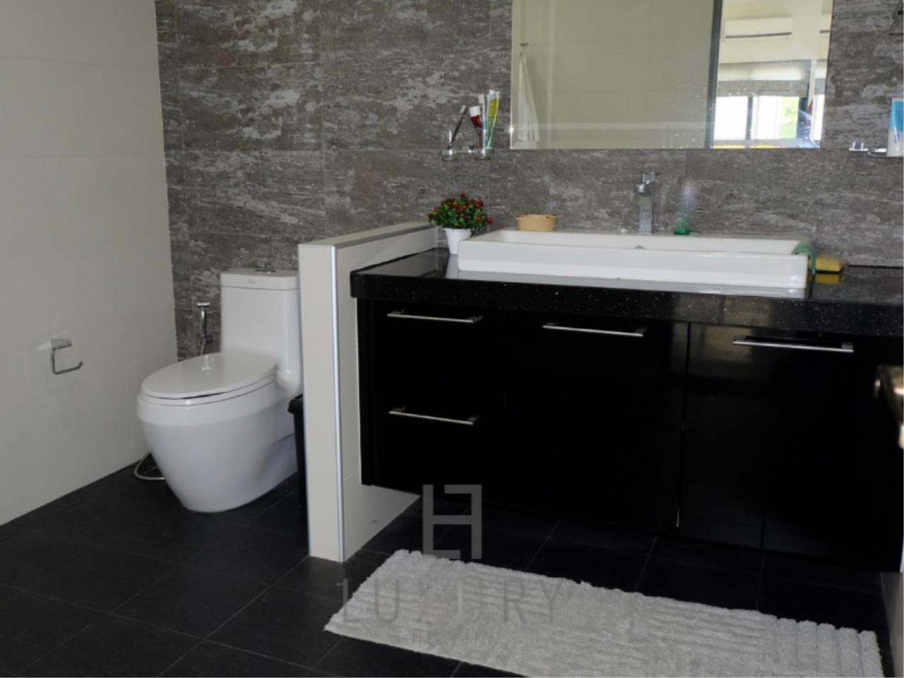 Luxury Hua Hin Property Agency's Stunning 6 Bedroom Pool Villa on 2 Rai of Land 22