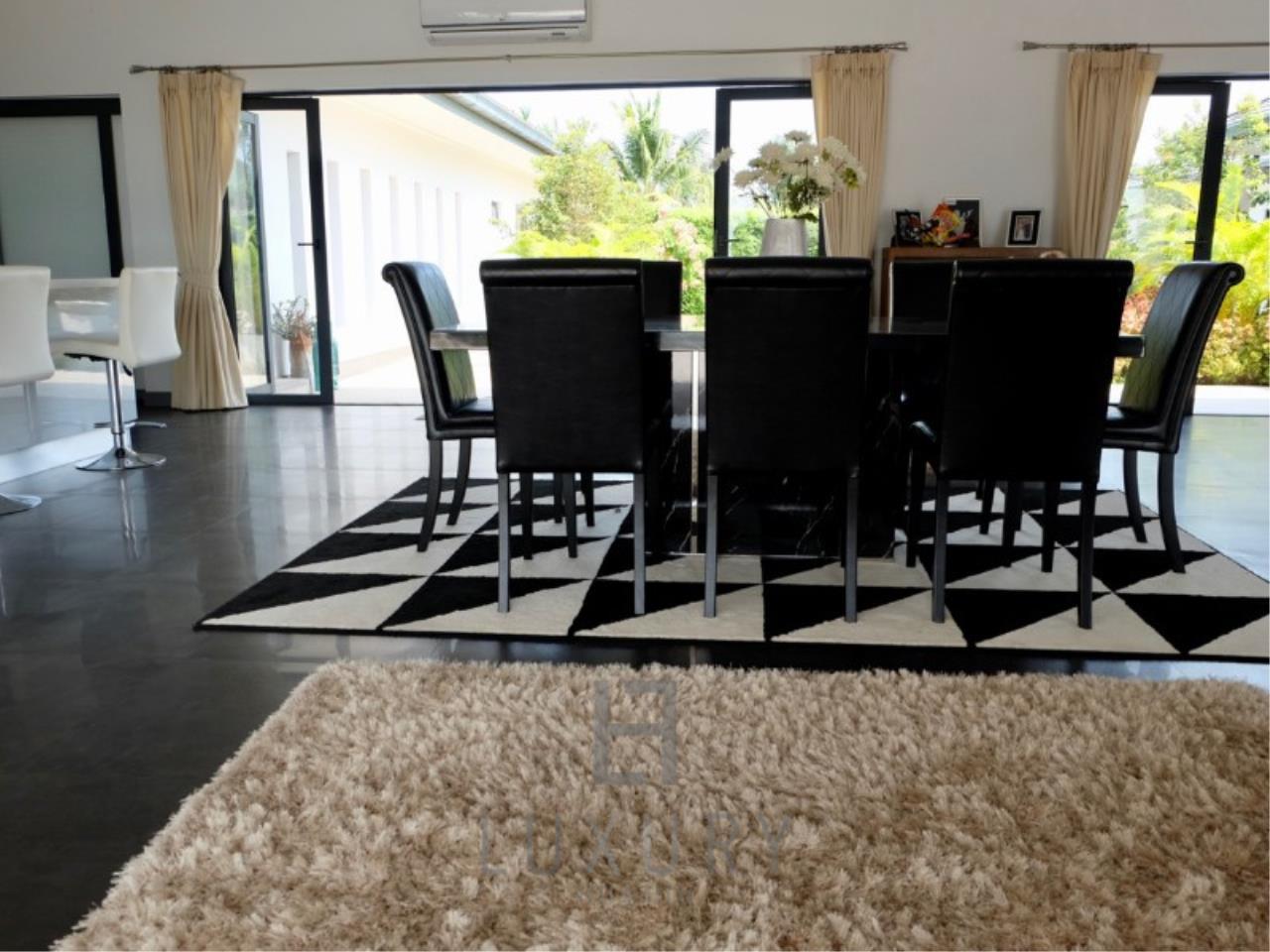 Luxury Hua Hin Property Agency's Stunning 6 Bedroom Pool Villa on 2 Rai of Land 16