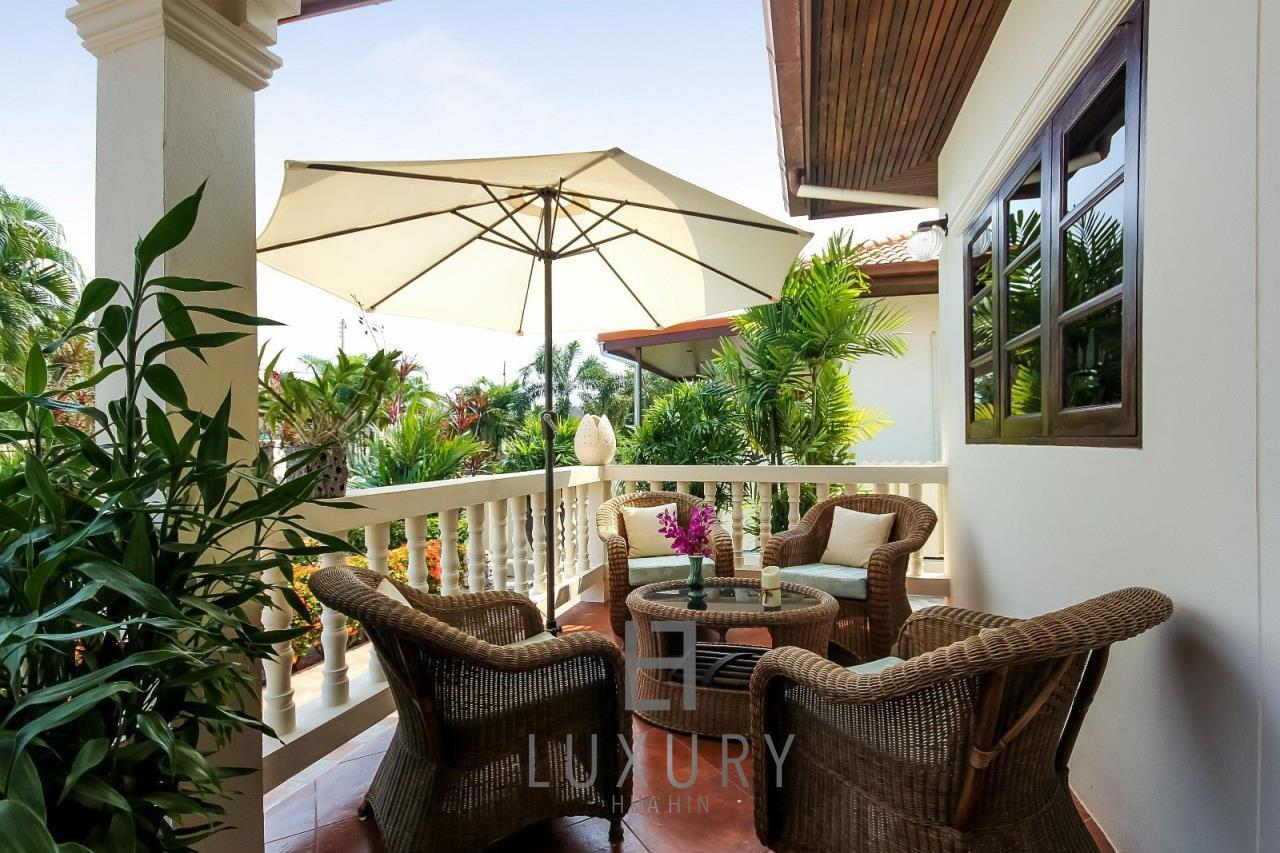 Luxury Hua Hin Property Agency's Centrally Located 3 Bedroom Pool Villa 9
