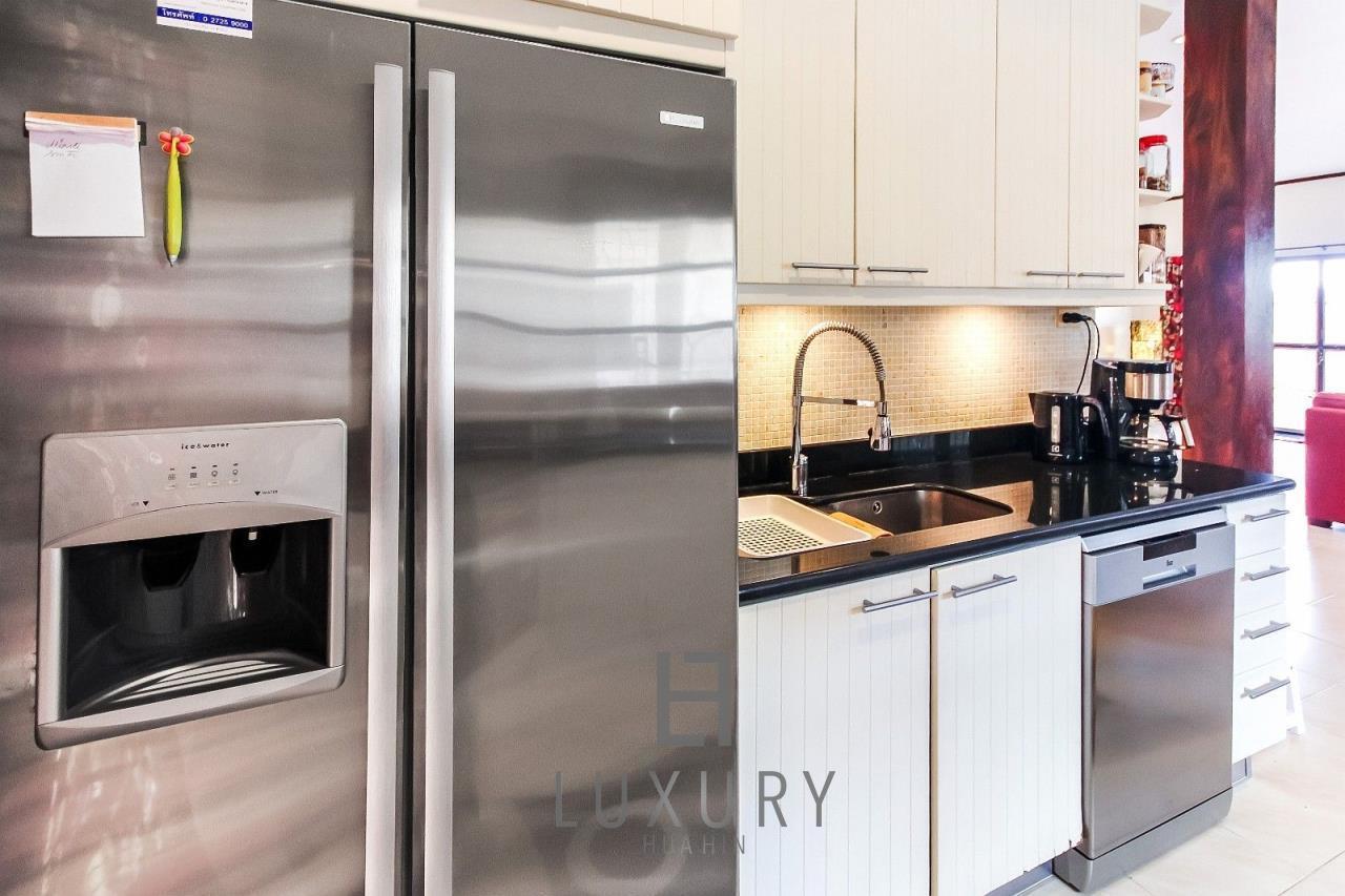 Luxury Hua Hin Property Agency's Centrally Located 3 Bedroom Pool Villa 18