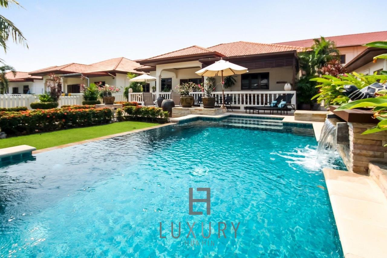 Luxury Hua Hin Property Agency's Centrally Located 3 Bedroom Pool Villa 3