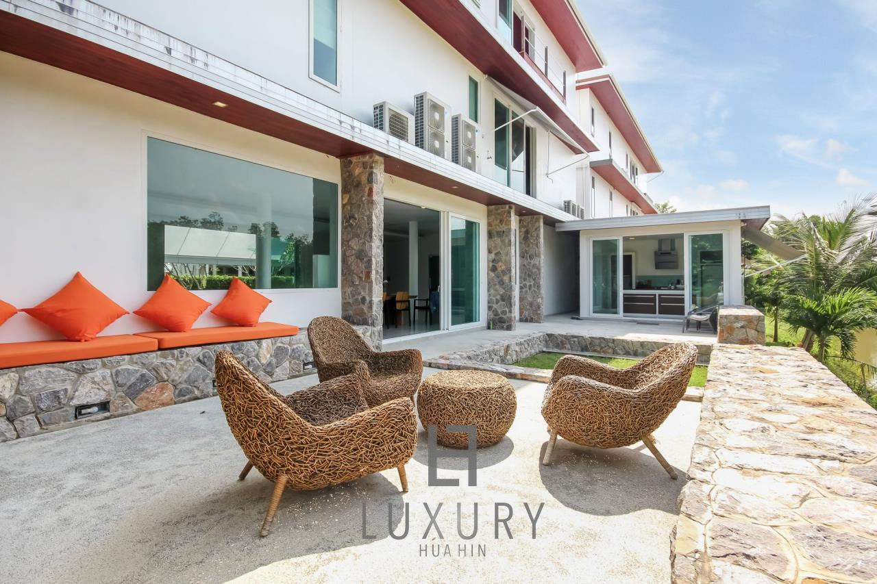 Luxury Hua Hin Property Agency's 4 Bedroom Beach Pool Villa In Cha Am  5