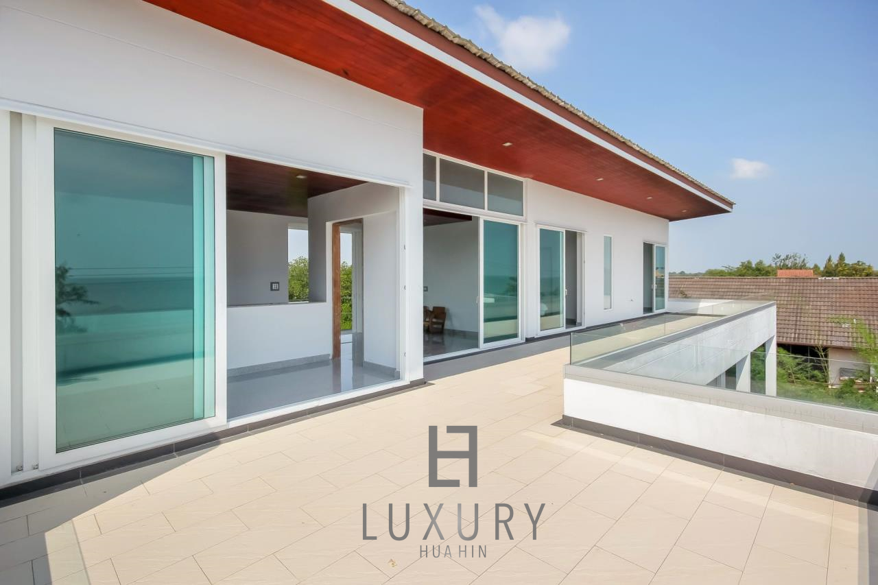 Luxury Hua Hin Property Agency's 4 Bedroom Beach Pool Villa In Cha Am  21