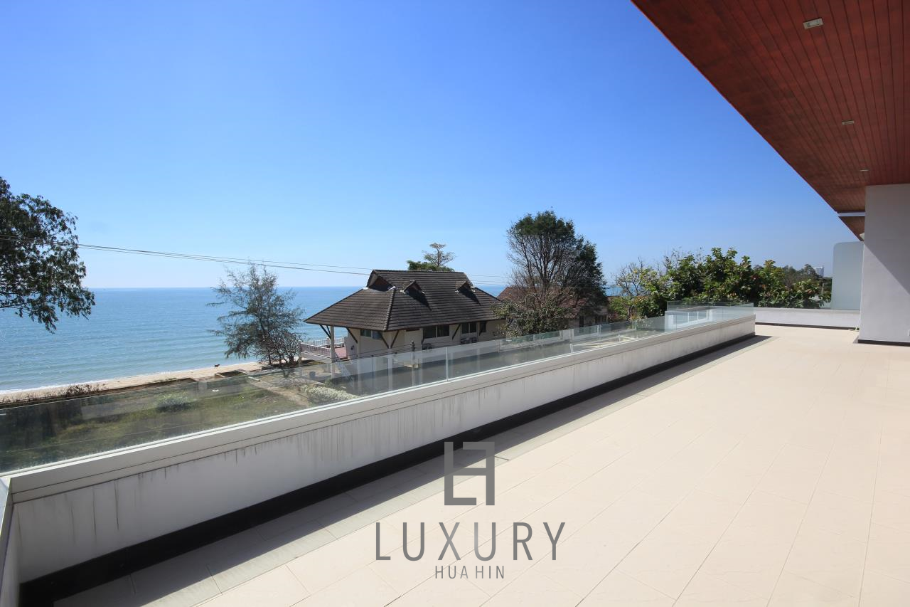 Luxury Hua Hin Property Agency's 4 Bedroom Beach Pool Villa In Cha Am  22