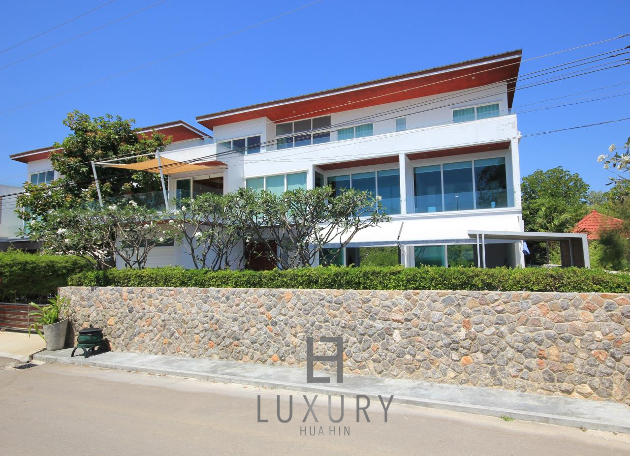 Luxury Hua Hin Property Agency's 4 Bedroom Beach Pool Villa In Cha Am  24