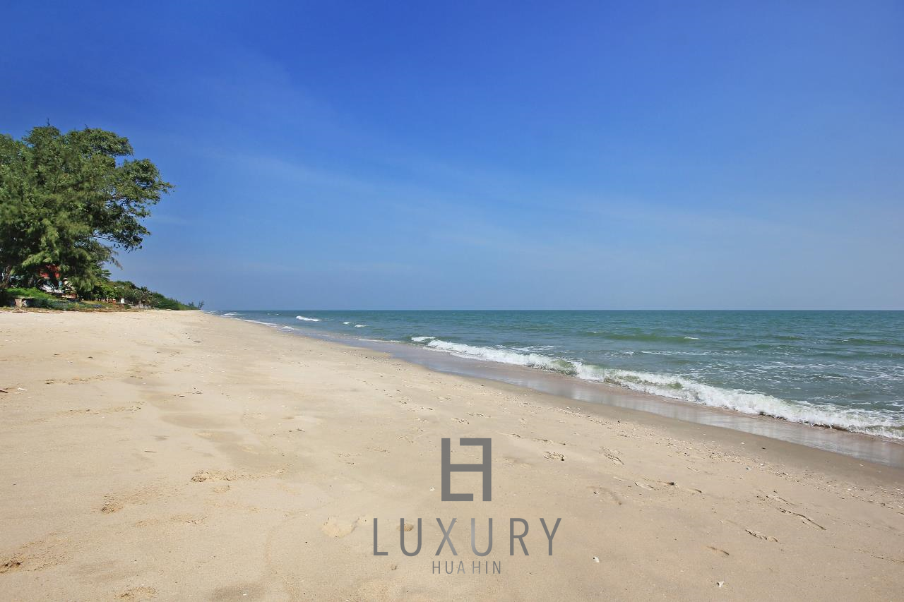 Luxury Hua Hin Property Agency's 4 Bedroom Beach Pool Villa In Cha Am  27