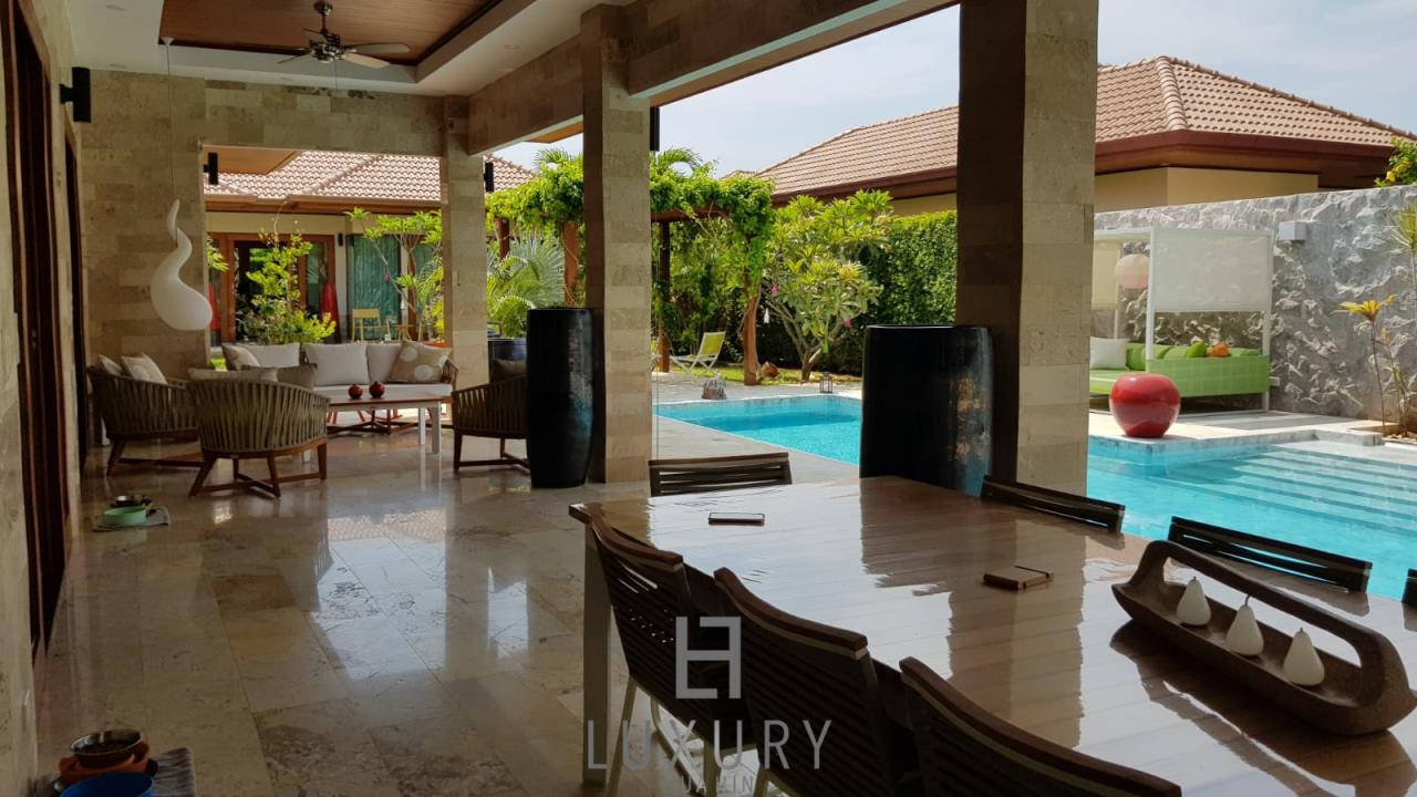 Luxury Hua Hin Property Agency's Outstanding New 4 Bedroom Pool Villa 2