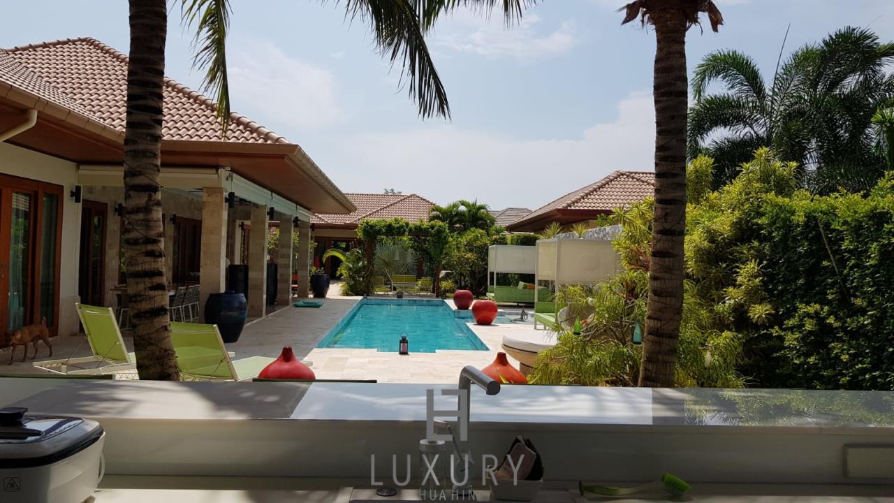 Luxury Hua Hin Property Agency's Outstanding New 4 Bedroom Pool Villa 1