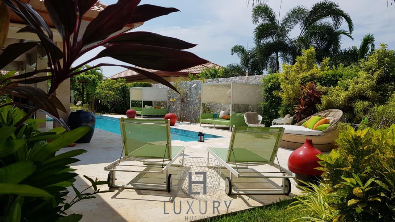 Luxury Hua Hin Property Agency's Outstanding New 4 Bedroom Pool Villa 4