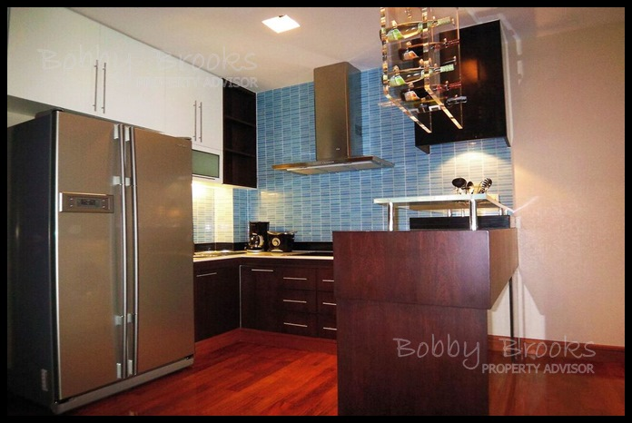 Bobby Brooks Property Agency's Exclusive Beachfront Condo 2 Bed 2 Bath for Sale North Pattaya (Naklua) 5