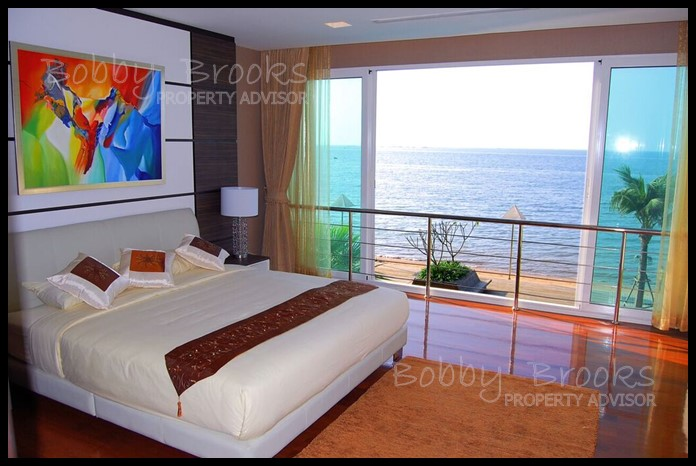 Bobby Brooks Property Agency's Exclusive Beachfront Condo 2 Bed 2 Bath for Sale North Pattaya (Naklua) 7