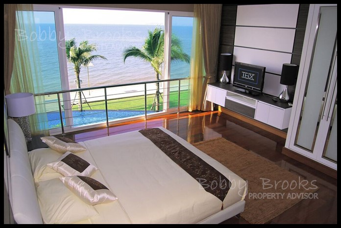 Bobby Brooks Property Agency's Exclusive Beachfront Condo 2 Bed 2 Bath for Sale North Pattaya (Naklua) 8