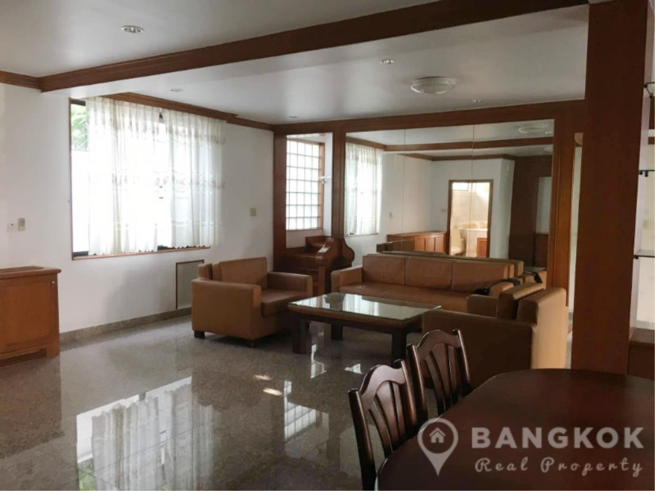 Bangkok Real Property Agency's Detached Spacious 3 + 1 Bed 3 Bath house with Garden in Nana  4
