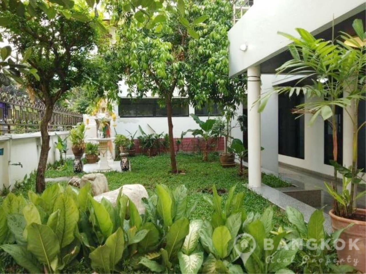 Bangkok Real Property Agency's Detached Spacious 3 + 1 Bed 3 Bath house with Garden in Nana  1