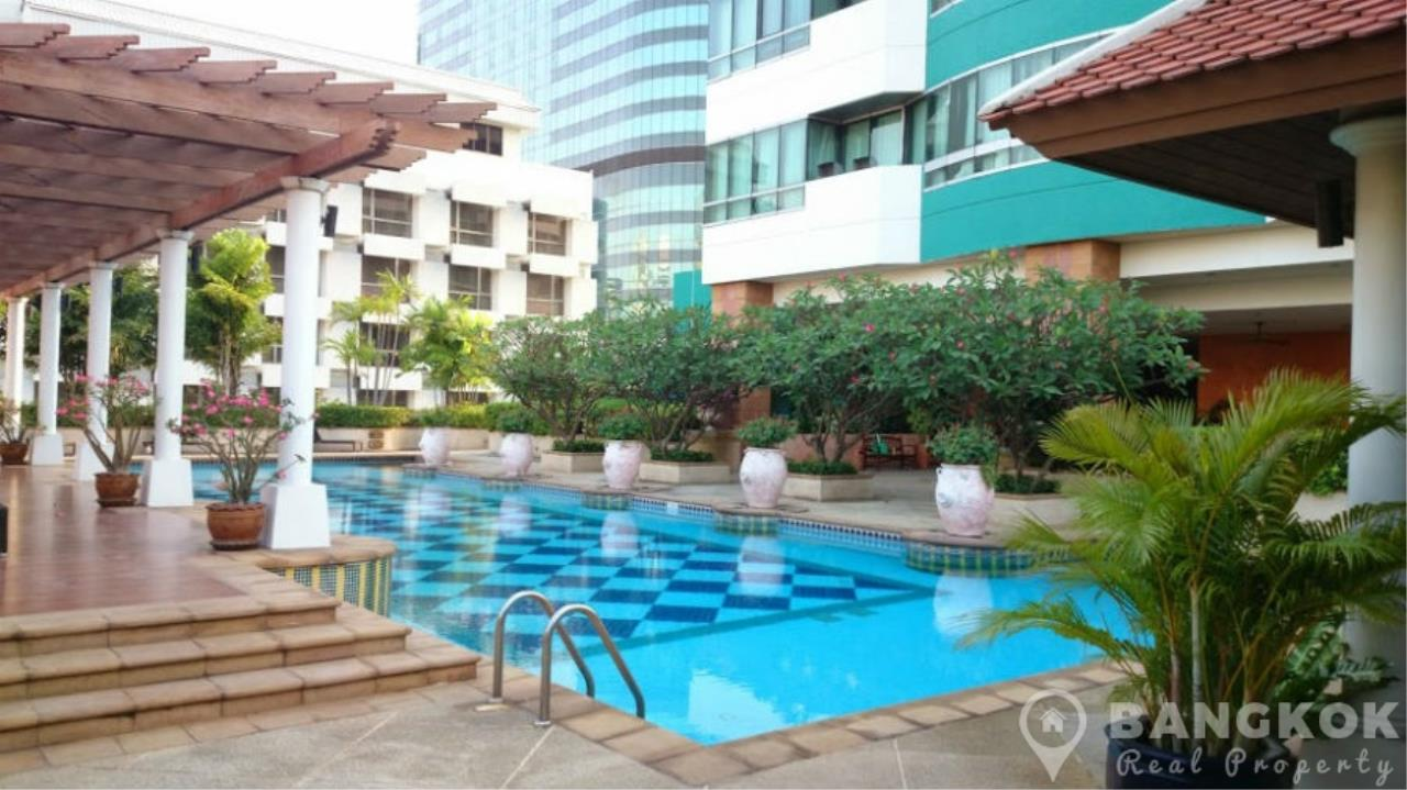 Bangkok Real Property Agency's President Place Chidlom | Superb Very Spacious 1 Bed at BTS 11