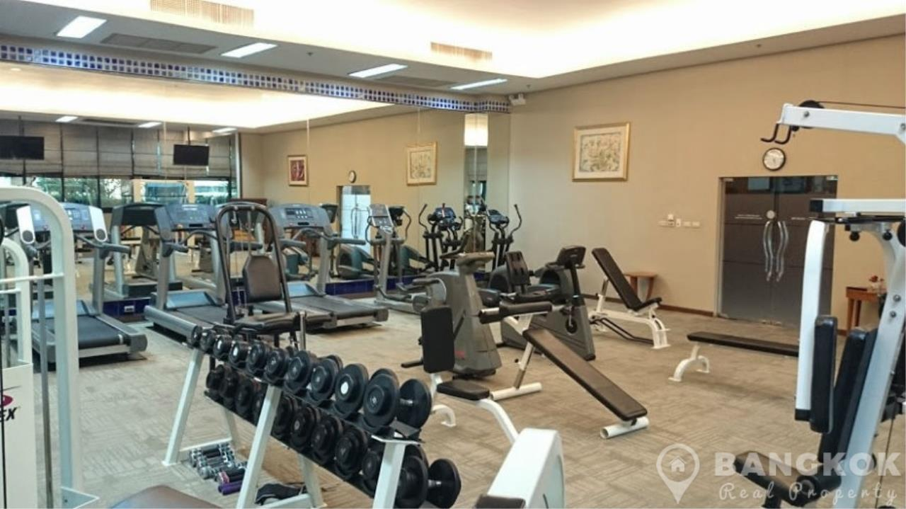 Bangkok Real Property Agency's President Place Chidlom | Superb Very Spacious 1 Bed at BTS 13