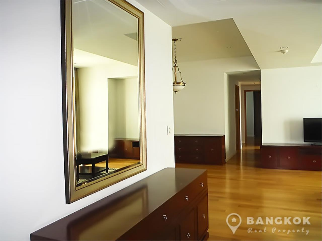 Bangkok Real Property Agency's Millennium Residence | Spacious Modern 3 Bed 3 Bath near Asoke 12