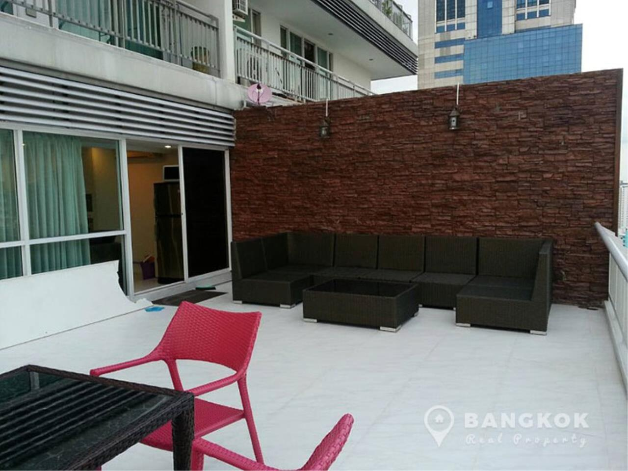 Bangkok Real Property Agency's Grand Parkview Asoke | Spacious 2 Bed 1 Bath Penthouse with Terrace 2